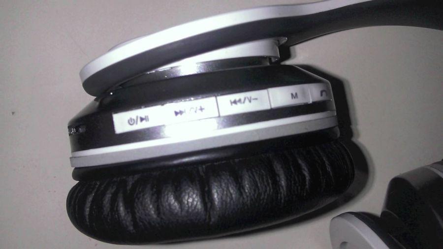 Наушники Monster Beats Solo HD Bluetooth S450 - качественный Отличный  громкий звук и никаких проводов. a1e8770124bce